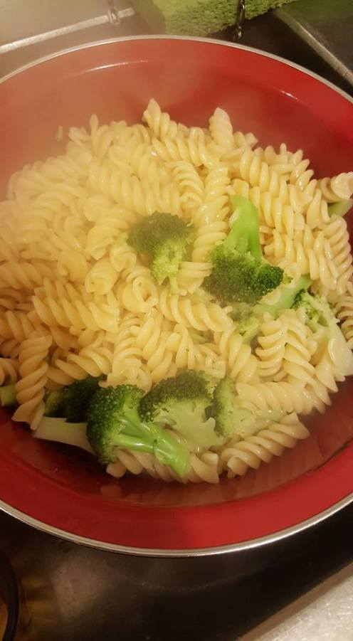 Chicken Alfredo broccoli and pasta drained