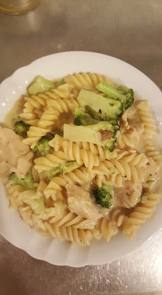 Chicken Alfredo plated