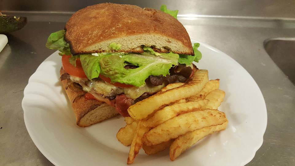 Steak Sandwich Complete with chips