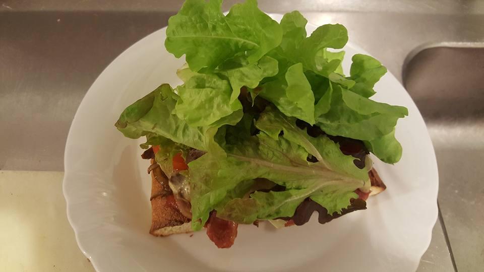 Steak Sandwich Lettuce