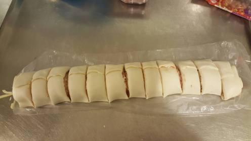 Pizza Scrolls cut